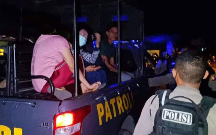 Polisi Amankan 6 Pengunjung dan 5 Pemilik Warung Remang