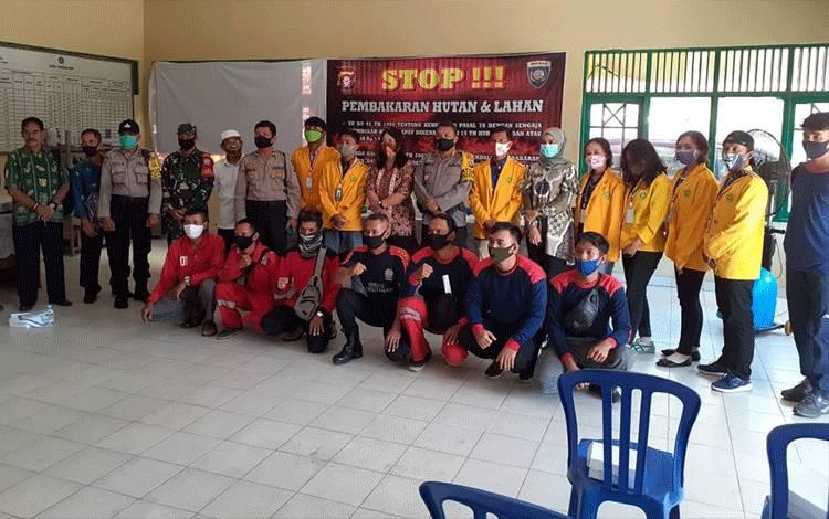 Sosialisasi pencegahan karhutla di Aula Kelurahan Menteng, Kecamatan Jekan Raya, Kamis 13 Agustus 2020.
