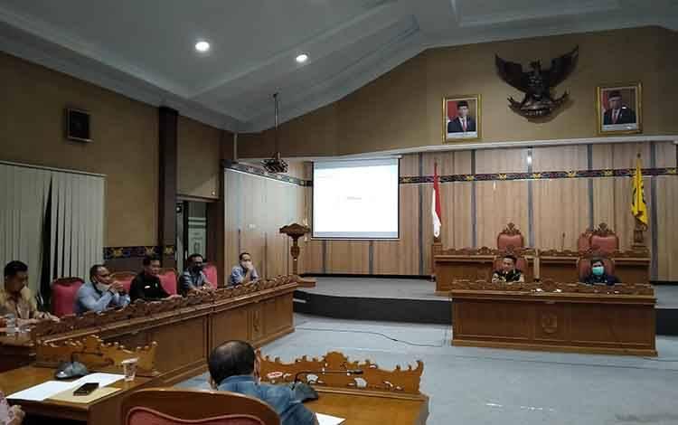 RDP di DPRD Kotawaringin Timur terkait Tersus dan TUKS.