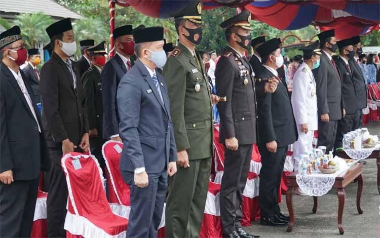 Dandim 1011 Kuala Kapuas Letkol Inf Ary Bayu Saputro saat menghadiri upacara HUT ke-75 Kemerdekaan RI, Senin 17 Agustus 2020