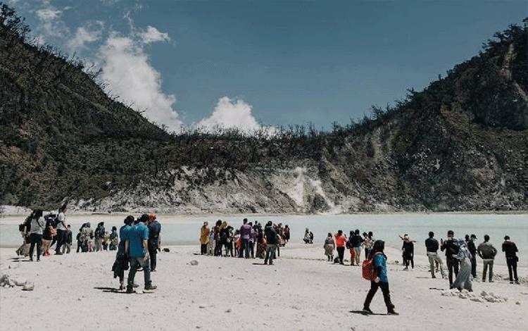 Redzolusi dari RedDoorz sekaligus mempromowikan pariwisata Indonesia dan kawasan. Foto: @redoorzid