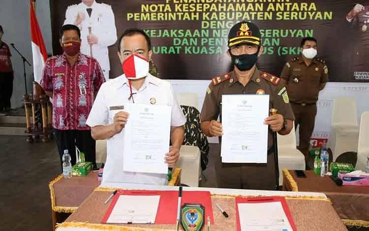 Penandatanganan Nota Kesepahaman antara Pemkab dan Kejaksaan Negeri Seruyan.