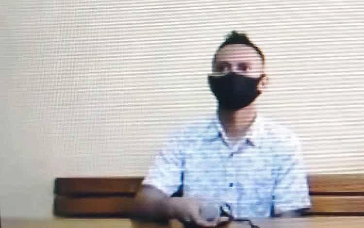 Bambang Edy Sugiarto alias Bambang terdakwa kasus illegal loging