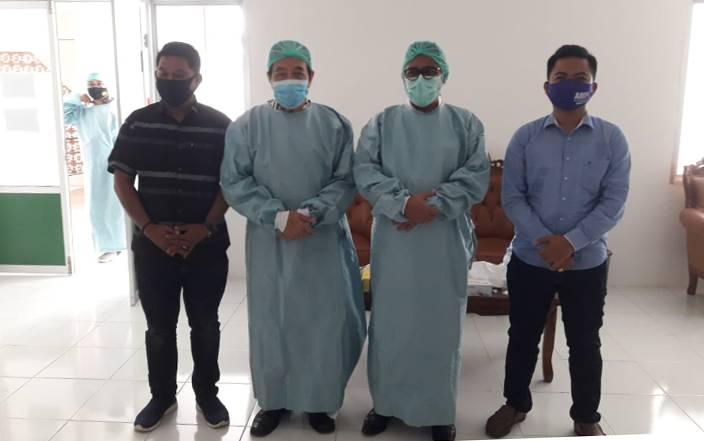 Pasangan PANTAS menjalani swab test di RSUD Murjani Sampit.