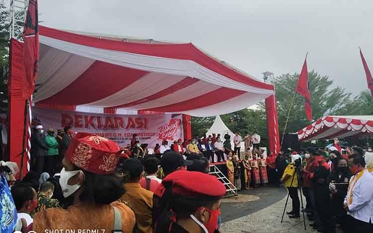 Deklarasi pasangan Sugianto Sabran-Edy Pratowo di Tugo Seokarno, Kota Palangka Raya, Senin 7 September 2020 pukul 15.00 WIB