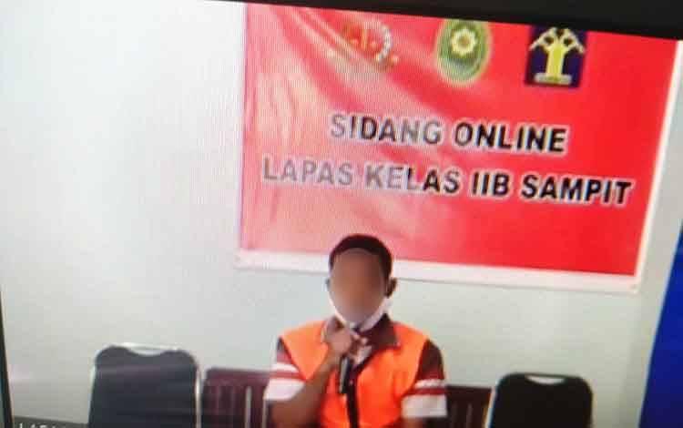 Ismail alias Mail terdakwa kasus Ilegal loging