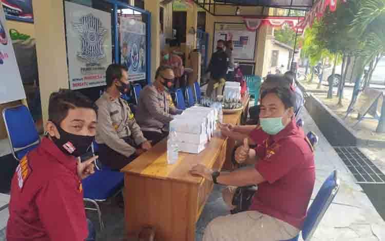 Kapolres Sukamara, AKBP I Gede Putu Dedy Ujiana bersama Wakapolres Sukamara, Kompol Ahmad Nur Mustofa saat menggekar coffee morning bersama media.