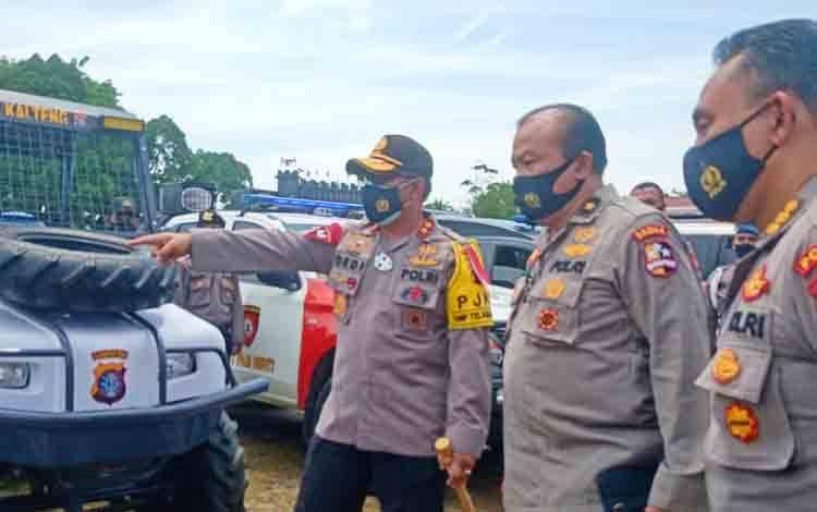 Kapolda Kalteng Irjen Dedi Prasetyo ketika menunjukan sarana dan prasarana transportasi kepada tim Srena Mabes Polri, Kamis, 17 September 2020.