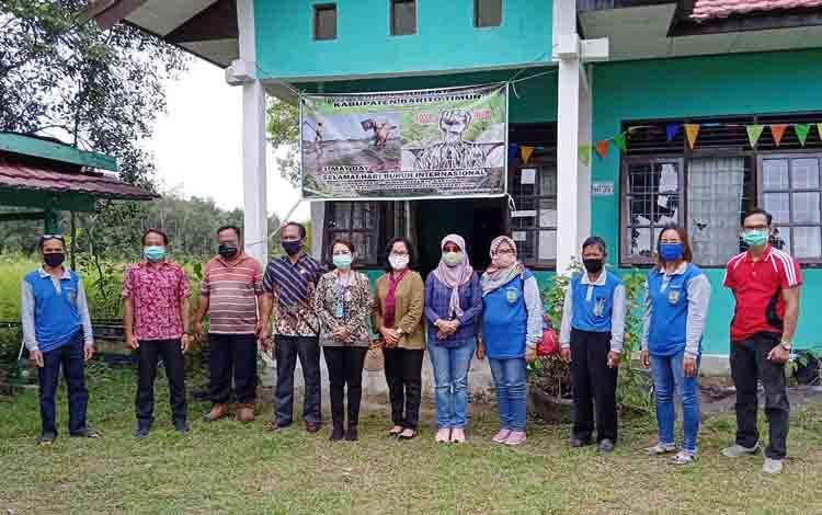 Komisi II DPRD Barito Timur saat melakukan kunjungan kerja ke Kecamatan Paju Epat, Jumat, 18 September 2020.