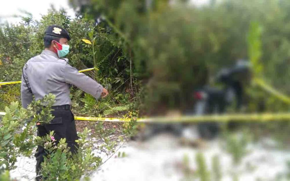 Penemuan mayat di kawasan galian C Tangkiling, Palangka Raya, Minggu pagi, 20 September 2020.
