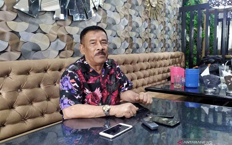 Komisaris Persib Bandung Umuh Muchtar