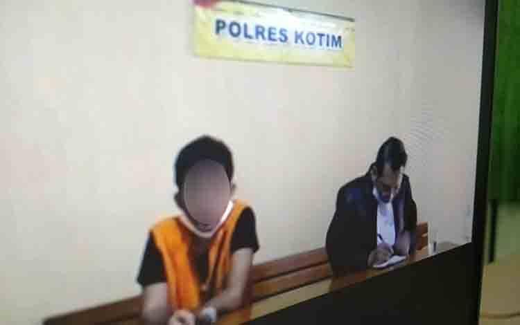 Bambang Edy Sugiarto alias Bambang terdakwa kasus illegal loging.