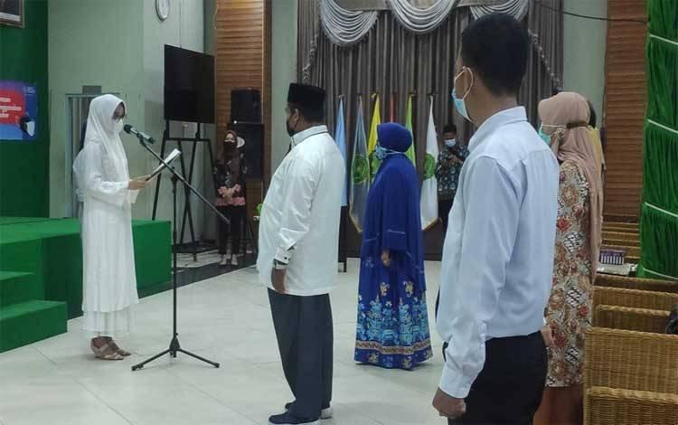 Pengukuhan Tim Relawan Matahari Berkah dan Relawan Fajar Muda sebagai tim kampanye pasangan calon H Sugianto Sabran - H Edy Pratowo