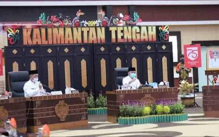 Gubernur Kalteng H Sugianto Sabran saat menghadiri rapat kerja penyelenggaraan Pemerintahan Desa angkatan IV Se-Kalimantan Tengah tahun 2020.