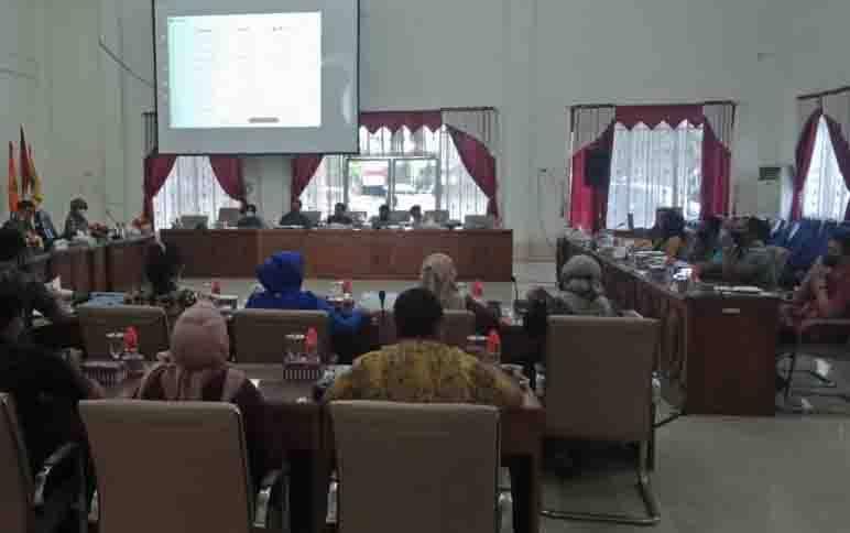 RDP terkait proses penjaringan perangkat Desa Bundar di DPRD Barito Selatan, Jumat, 25 September 2020.