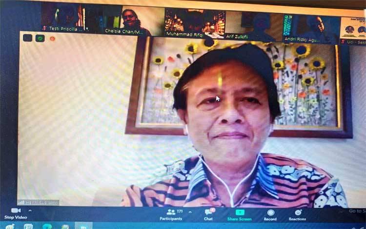 Staf Ahli Menteri Bidang Hukum, Kementerian Komunikasi dan Informatika, Prof Henri Subiakto