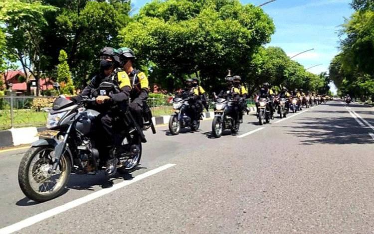 Sebanyak 571 personel Polda Kalteng dilibatkan dalam patroli skala besar guna mengamankan tahapan kampanye pilkada Kalteng di Palangka Raya, Sabtu (26/9/2020). (ANTARA/HO-Humas Polda Kalteng)