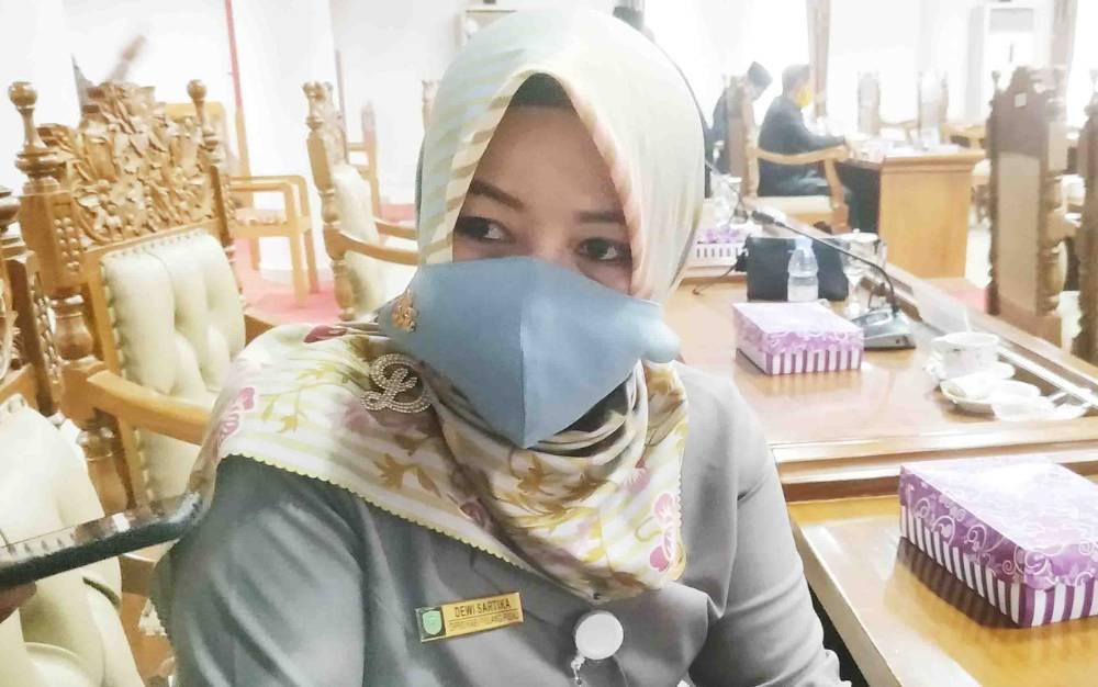 Anggota DPRD Pulang Pisau, Dewi Sartika.