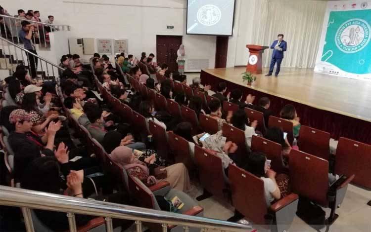 Mahasiswa yang kuliah di Cina
