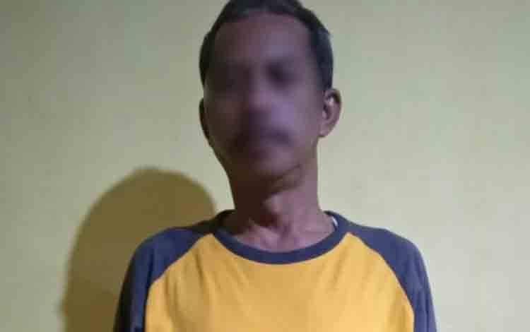 SU (52), oknum PNS terduga pelaku penggelapan mobil milik warga Kelurahan Sidorejo, Kecamatan Arsel.