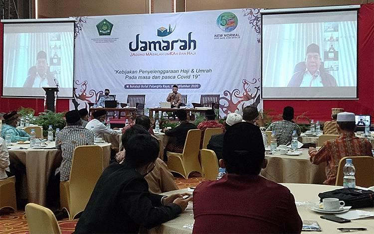 Suasana kegiatan 'Jamarah' atau Jagong Masalah Umrah dan Haji di Palangka Raya, Selasa, 29 September 2020.