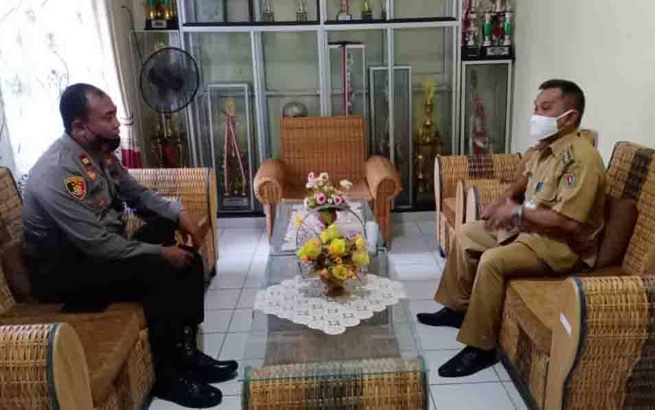Kapolsek Katingan Hilir, Iptu Eko Priyono bersilaturahmi ke Camat Katingan Hilir, Karyadi, Kamis, 1 Oktober 2020.