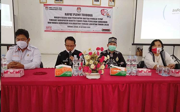 Rapat pleno terbuka penetapan daftar pemilih tetap yang dihadiri oleh Wakil Bupati Barito Timur.