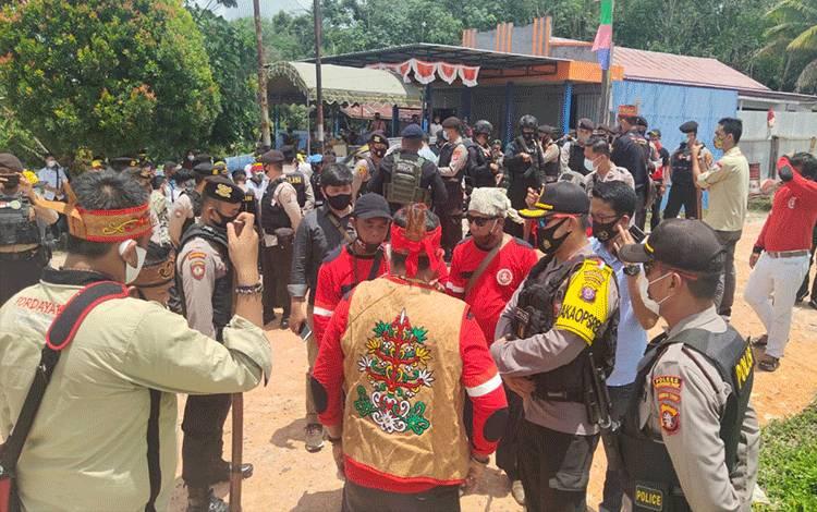Polres Kobar turunkan personel antisipasi kericuhan antar kelompok atas penolakan ritual Hinting Pali.