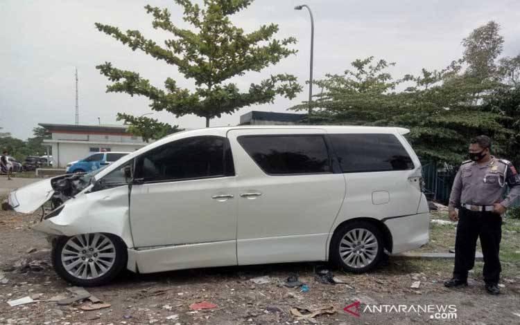 Kondisi mobil anak Amien Rais yang mengalami kecelakaan
