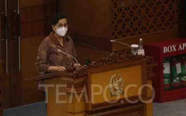 Menteri Keuangan Sri Mulyani membacakan pandangan akhir Pemerintah atas RUU tentang APBN saat rapat paripurna ke-6 masa persidangan I tahun sidang 2020-2021 di Kompleks Parlemen Senayan, Jakarta, Selasa, 29 September 2020. (foto : TEMPO/M Taufan Rengganis)