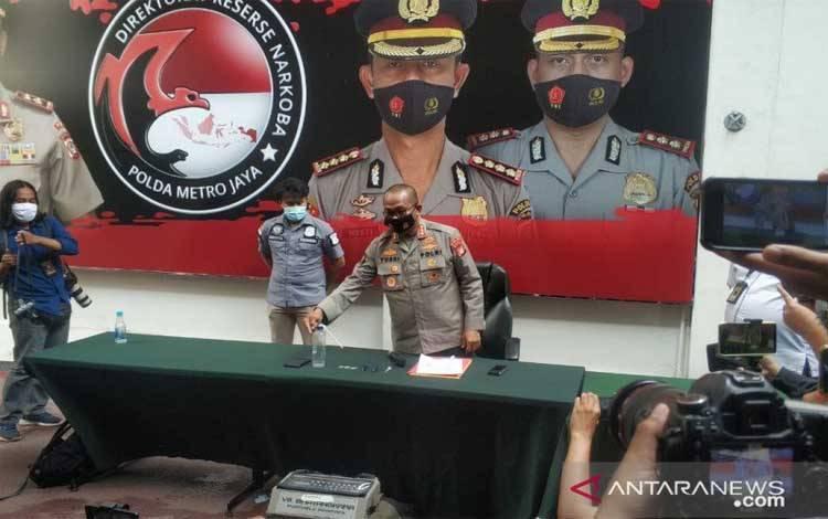 Kepala Bidang Humas Polda Metro Jaya Kombes Yusri Yunus memberikan keterangan pers