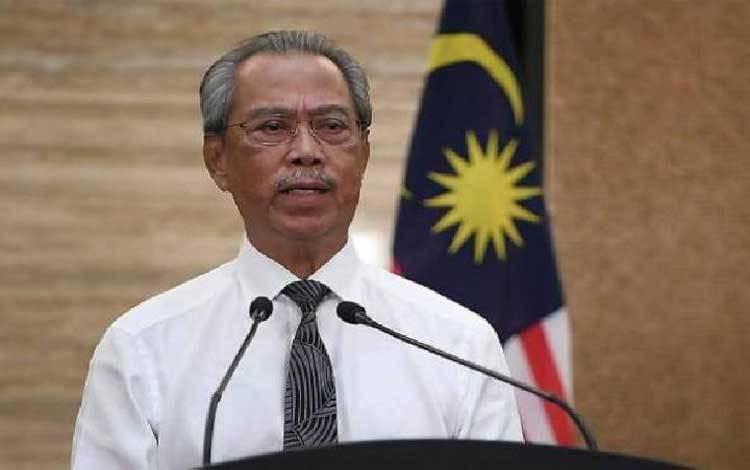 Perdana Menteri Malaysia Muhyiddin Yassin telah meminta warga Malaysia untuk mematuhi Perintah Kontrol Gerakan (lockdown) pemerintah mulai Rabu, 18 Maret 2020.[Bernama/Astroawani]