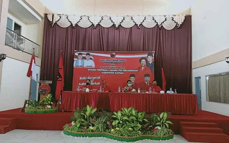 DPC PDI Perjuangan Kabupaten Kapuas menggelar Rakercabsus dan Pelatihan Saksi Pleno PPK, Sabtu 24 Oktober 2020