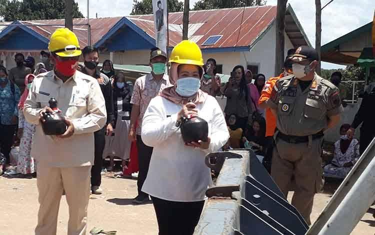 Bupati Kobar, Nurhidayah menghadiri acara ground breaking konsorsium tahap IV di Kecamatan Arut Utara