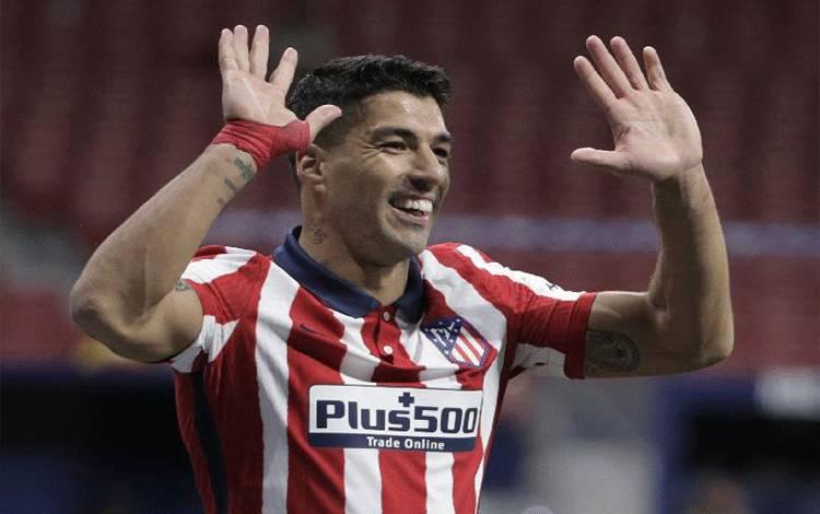 Pemain Atletico Madrid Luis Suarez. REUTERS/Javier Barbancho