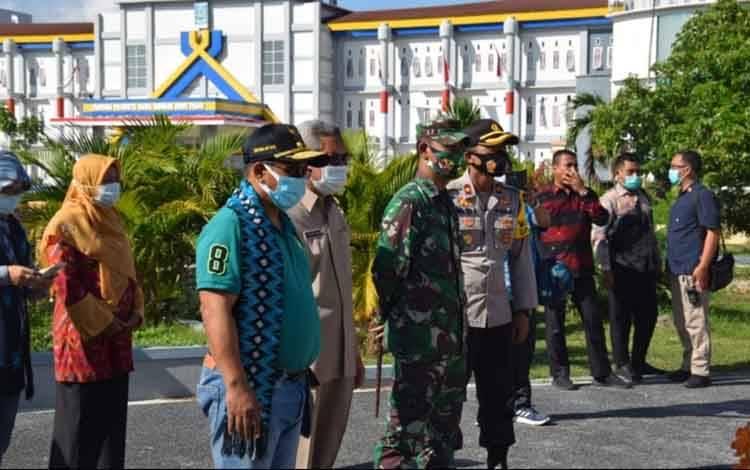 Plt. Gubernur Kalteng Habib Ismail Bin Yahya saat kunjungan ke Kabupaten Dampo