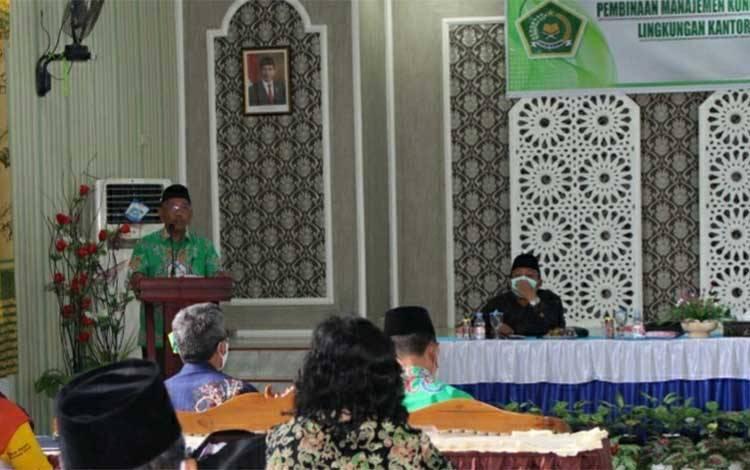 Kantor Kemenag Kapuas menggelar kegiatan pembinaan kerukunan umat beragama