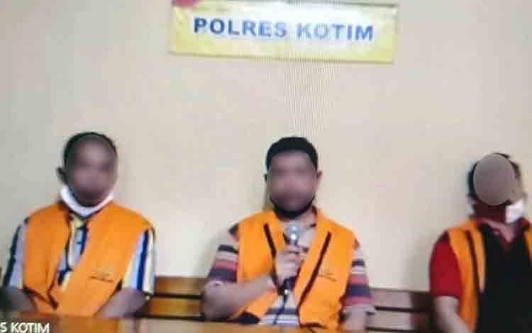 Surya, Mamat Yusuf dan Ramlan terdakwa yang menggelapkan CPO
