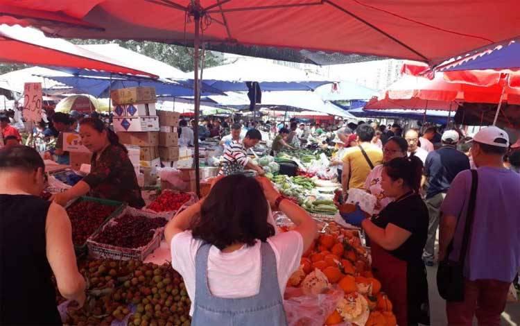 Pasar tradisional di Cina