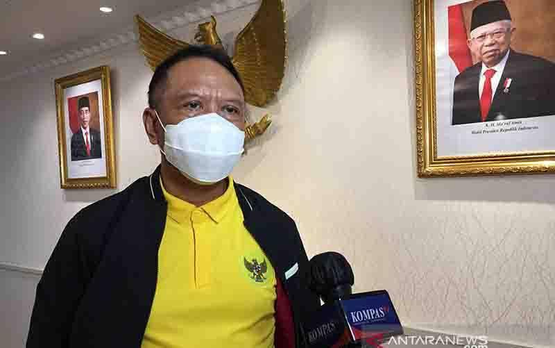 Menteri Pemuda dan Olahraga Zainudin Amali saat ditemui di Kantor Kemenpora, Jakarta, Rabu (4/11/2020). (foto : ANTARA/Shofi Ayudiana/am)