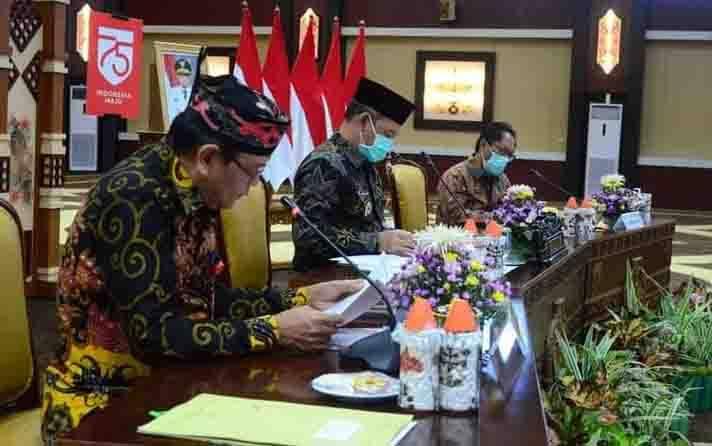 Rapat Forum Sekretaris Daerah Seluruh Indonesia (Forsesdasi) yang dipimpin Sekda Kalteng, Fahrizal Fitri (tengah), Kamis, 19 November 2020.