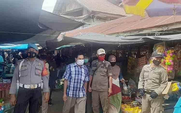 Operasi yustisi di Pasar Ampah Kecamatan Dusun Tengah
