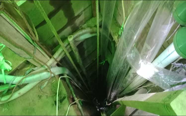 Lubang tambang emas maut yang menewaskan 10 penambang asal Kabupaten Tasikmalaya di Sungai Seribu, Kecamatan Arut Utara, Kabupaten Kobar
