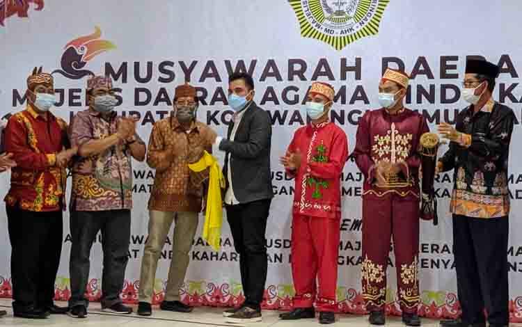 Bupati Kotim Supian Hadi saat membuka kegiatan Musda ke-VI Majelis Daerah Hindu Kaharingan, Minggu, 22 November 2020.