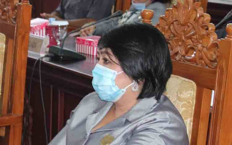 Anggota DPRD Kabupaten Gunung Mas, Iceu Purnamasari.