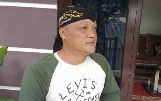 Pembina Paguyuban Warga Jabar Banten Lembur Kuring Cabang Kobar, Dandeni Herdiana.