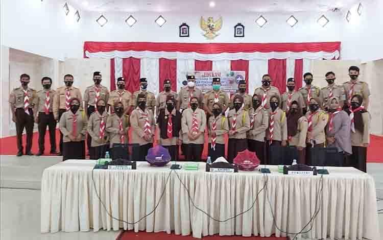 Pelaksanaan kegiatan edukasi pencegahan transmisi lokal covid-19 di Kabupaten Sukamara.