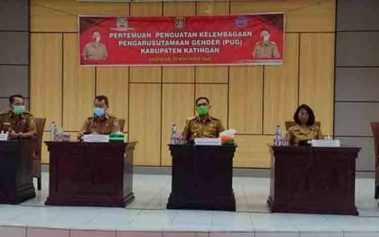 Wakil Bupati Katingan Sunardi Litang membuka acara pertemuan PUG.