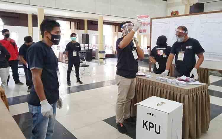 Simulasi pemungutan dan perhitungan suara di GPU Mantawara Tamiang Layang