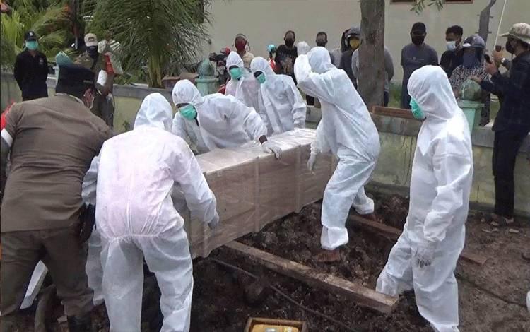 Pemakaman Pasien Terkonfirmasi Positif Covid-19 Sempat Dirawat di Ruang Umum RSUD dr Murjani Banyak Dibesuk Kerabat Membuat Resah